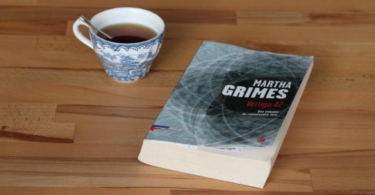 Couverture de Vertigo 42 par Martha Grimes